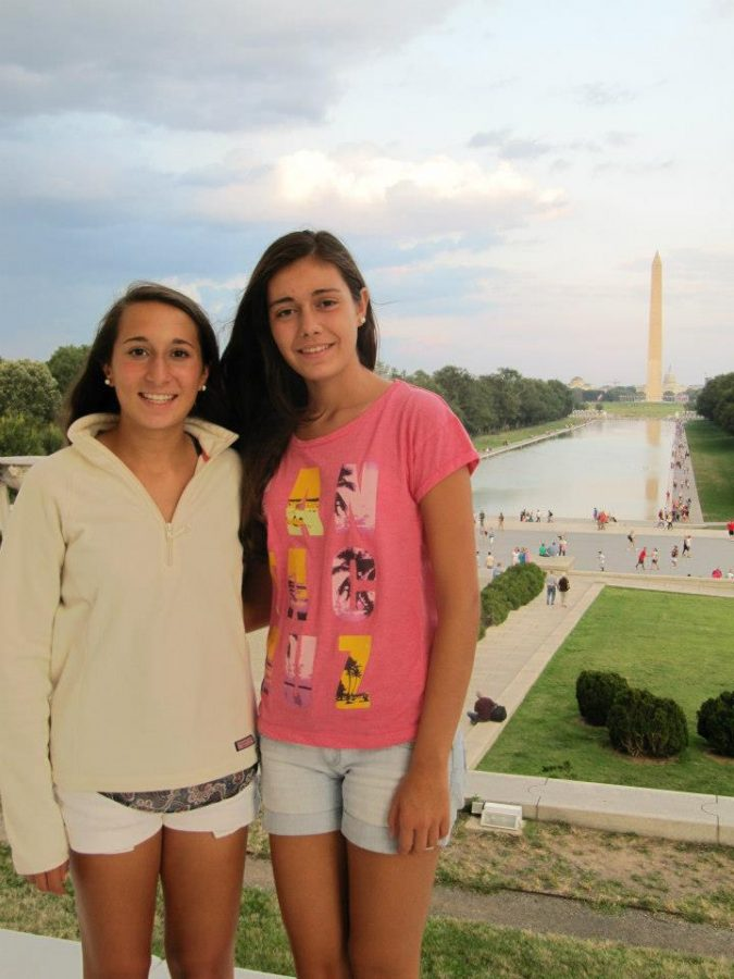 Sophomore+Emily+Sabia+hosted+exchange+student+Paula+Lopez+from+the+network+school+in+Madrid%2C+Spain.+As+a+way+to+%22show+her+around+America%2C%22++Emily+and+her+family+traveled+to+Washington%2C+DC+and+saw+the+Lincoln+Memorial+and+Washington+Monument+Saturday%2C+September+22.