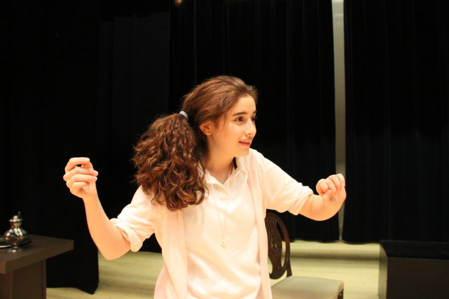Sophomore+Miranda+Falk+has+been+cast+as+Ms.+Lottie+Maloy+in+Sacred+Heart%27s+fall+production+of%2C+The+Murder+Room+