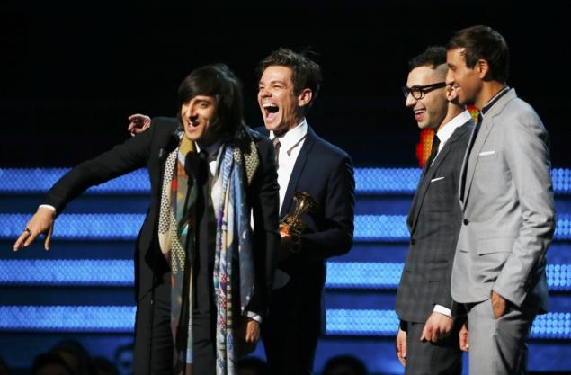 Fun.+accepts+its+second+Grammy+award+for+Best+New+Artist+at+the+2013+Grammy+Awards.+The+band+also+picked+up+the+Grammy+for+Song+of+the+Year+at+the+2013+awards+with+its+hit%2C+We+Are+Young.%0Acourtesy+of+www.nydailynews.com