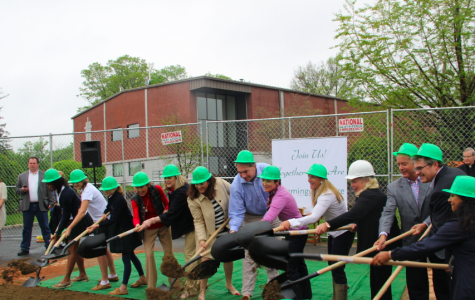 Trustees, students, and parents participate in the groundbreaking. Alex Dimitri '16