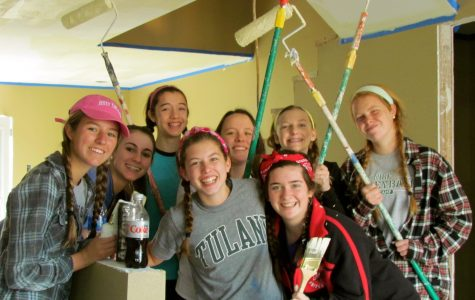 Juniors Ellie Denson and Molly Carroll and sophomores Avery Juan, Lucy Alderson-Smith, Caroline Geithner, Ali Danahy, Andrea Ranzilla and Maddy Devita spent a week in New Orleans helping rebuild a home destroyed during Hurricane Katrina. Courtesy of Ellie Denson '15