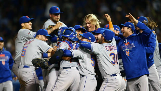 The+New+York+Mets+huddle+in+and+celebrate+after+winning+Game+4+of+the+National+League+Championship+Series%2C+qualifying+them+to+compete+in+the+World+Series+against+the+Kansas+City+Royals.%0ACourtesy+of+cbsnews.com