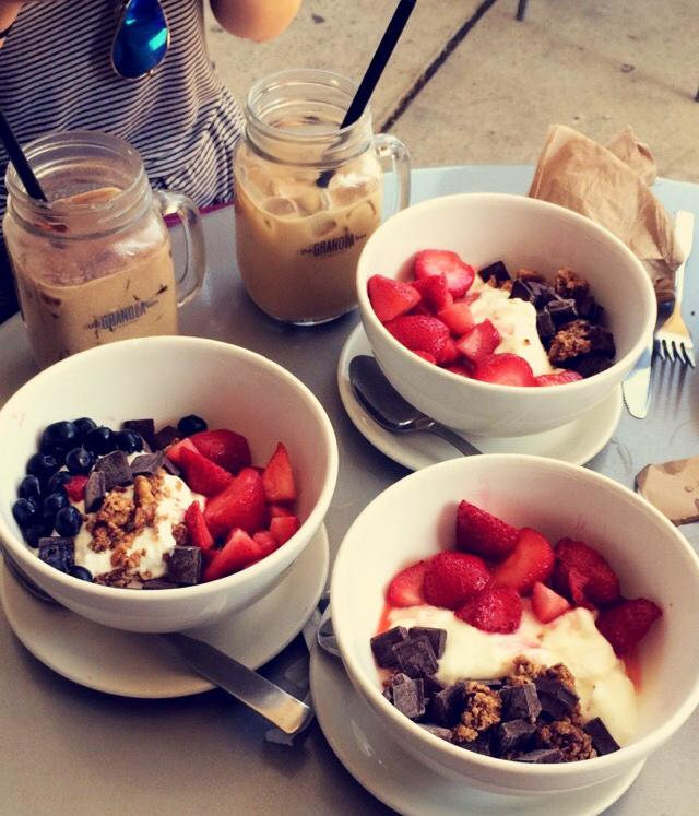 The+Granola+Bar+serves+personalized+yogurt+and+granola+bowls%2C+and+flavored+iced+lattes.+Jade+Cohen+%2717+