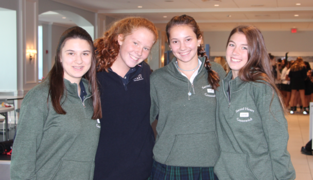 Sophomores+Caroline+Badagliacca%2C+Sally+Carter%2C+Cameron+Calcano+and+Lily+DeConcini+in+the+new+Sacred+Heart+gear.%0ASydney+Gallop+20