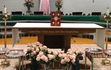 Seniors celebrate their last Mother Daughter Liturgy
