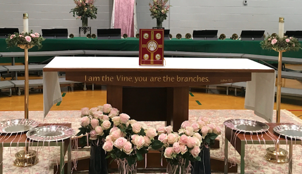 Seniors celebrate their last Mother Daughter Liturgy