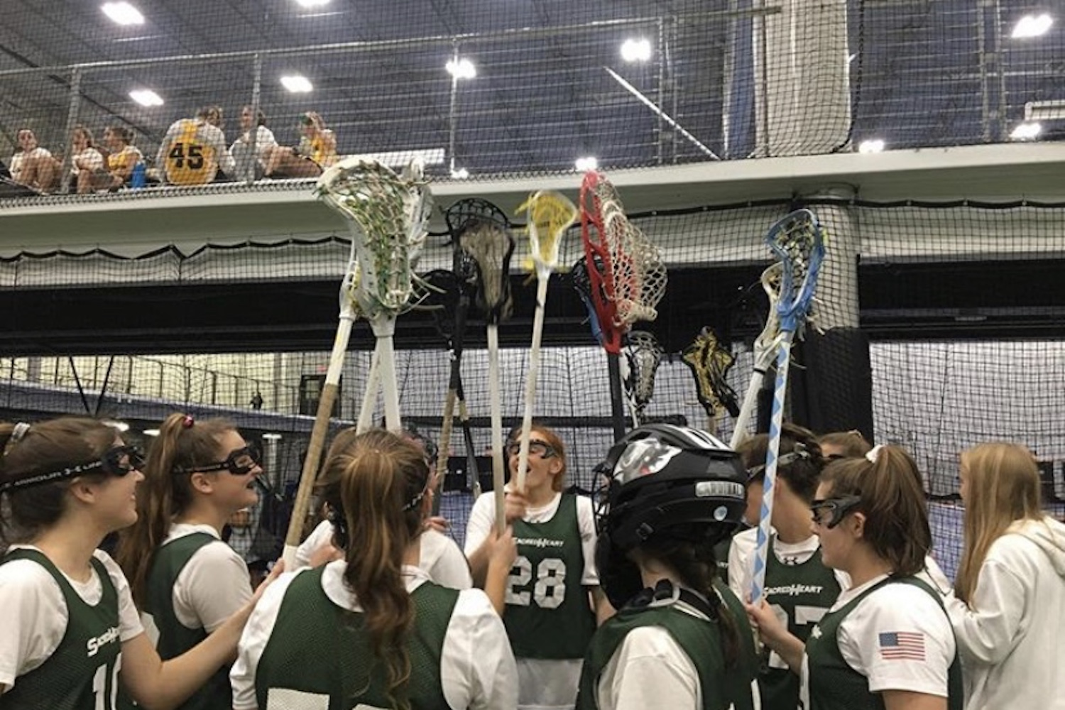 The 2019 varsity lacrosse team at the Inside Lacrosse Indoor National Championship.