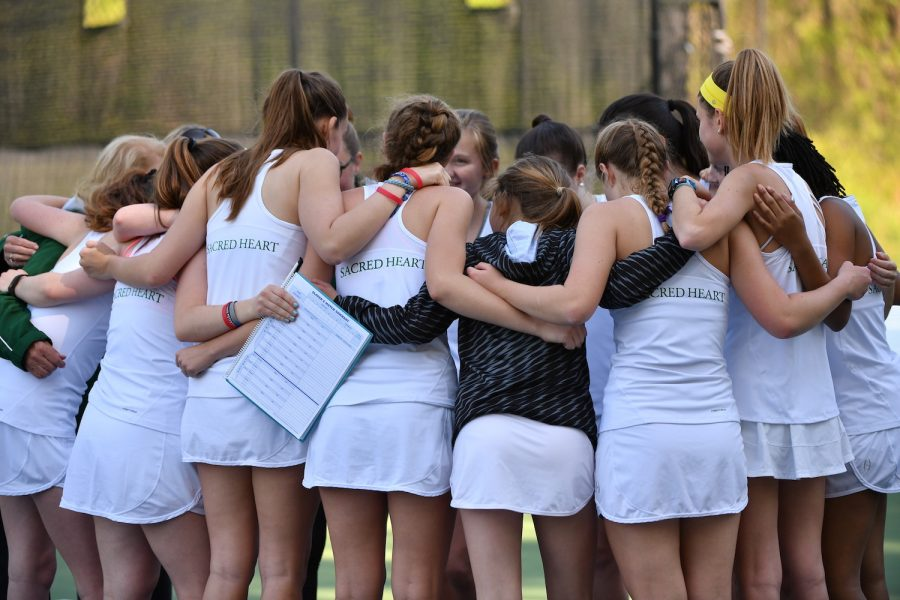 The+varsity+tennis+team+welcomes+new+head+coach+Mr.+Ed+Metzendorf+for+the+2020+spring+tennis+season.+