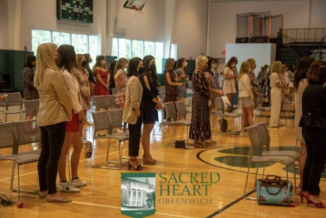 Seniors honor their mothers at last Mother Daughter Liturgy