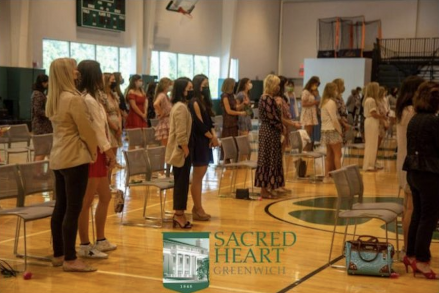Sacred Heart Greenwich was able to hold an in-person Mother Daughter Liturgy for the senior class and their mothers.